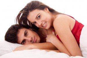 Sexualité des jeunes : le rapport accablant dans Couples shutterstock_92952835-300x200